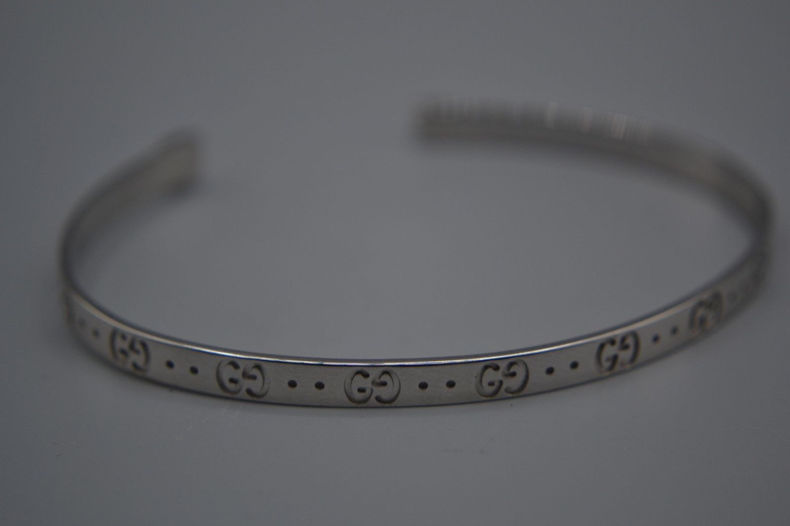 1ee482a62d3dd2 18ct White Gold Gucci